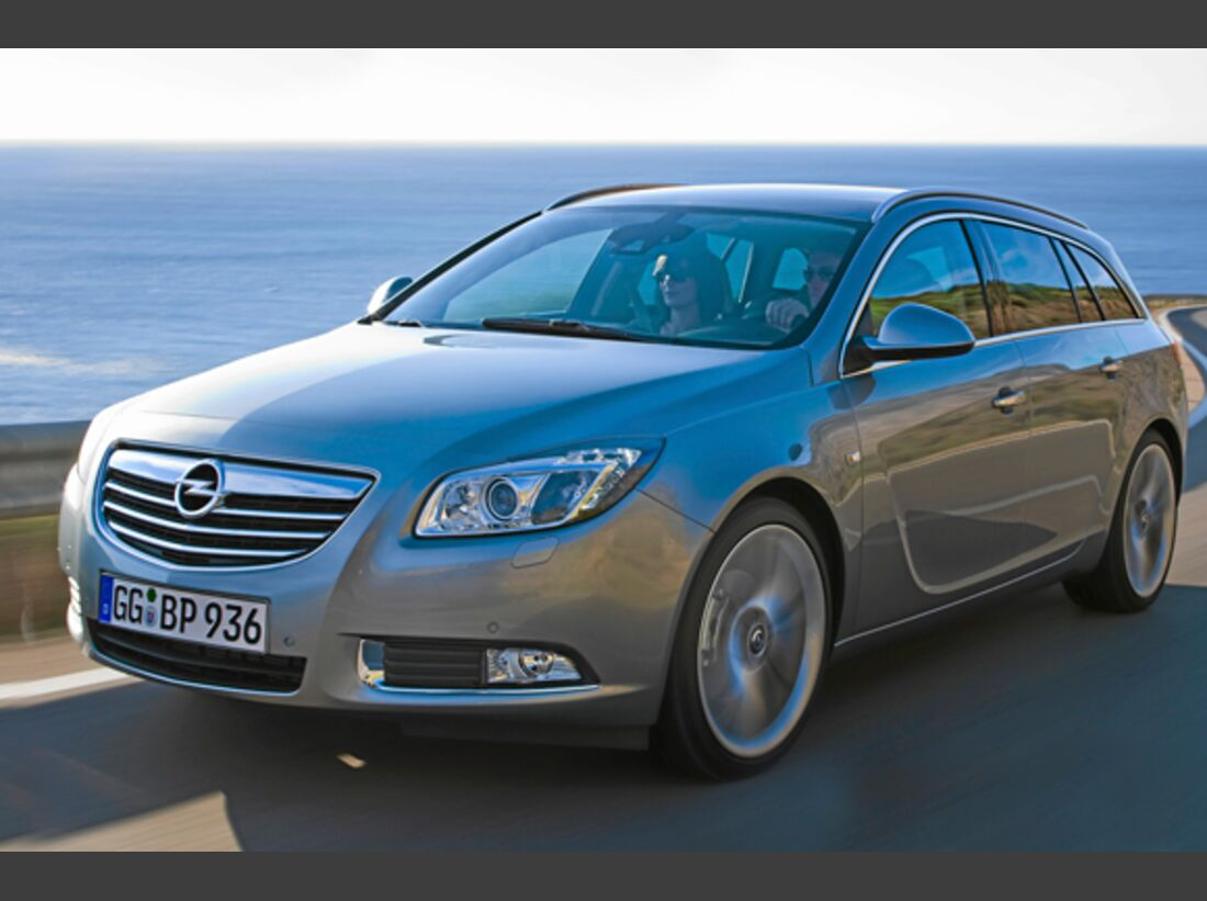 CAV 0911 Zugfahrzeuge perfektes Auto - Kombi - Opel Insignia Sportstourer