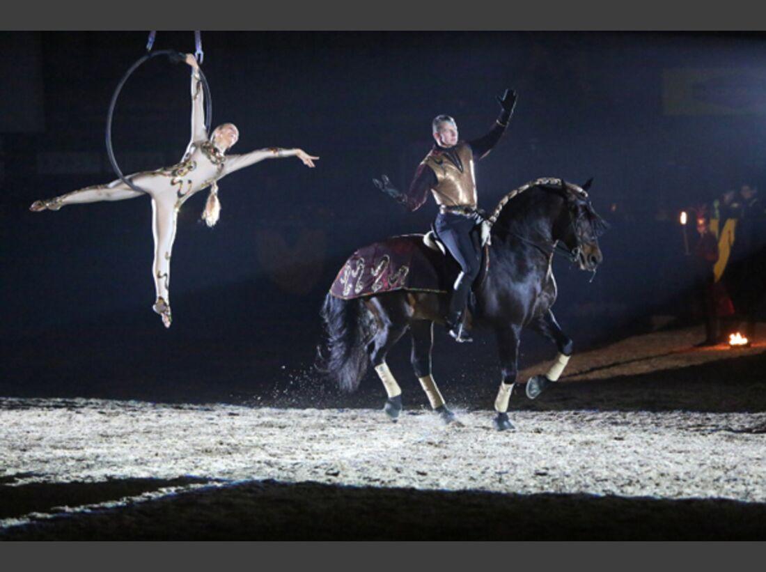 CAV Oliver Jubin Tanzende Beine Show 14