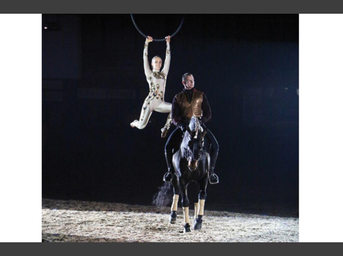 CAV Oliver Jubin Tanzende Beine Show 5