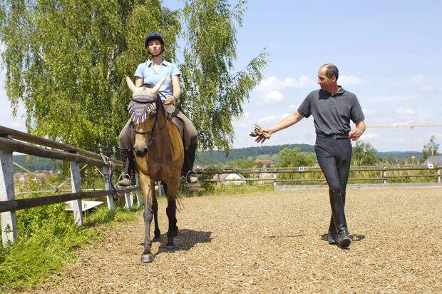CAV Pferd Reiterin Reitlehrer