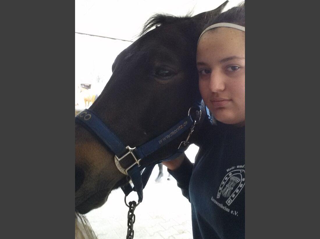 CAV-Pferde-Selfie-Leseraktion-2014-Dilara-Cabadak (jpg)