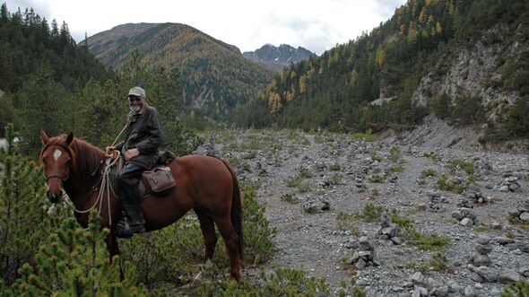 CAV Trekking Peter Schneider 01
